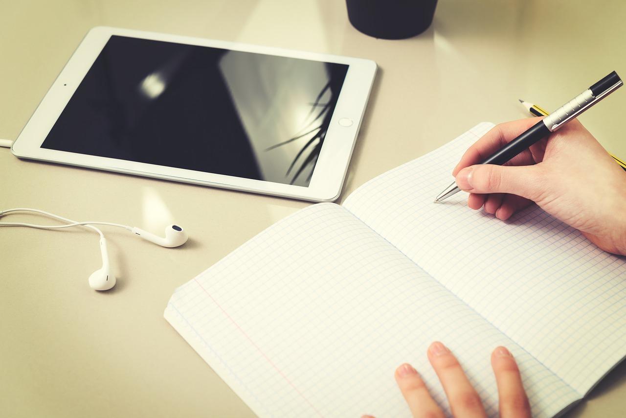 namų darbas su rašikliais