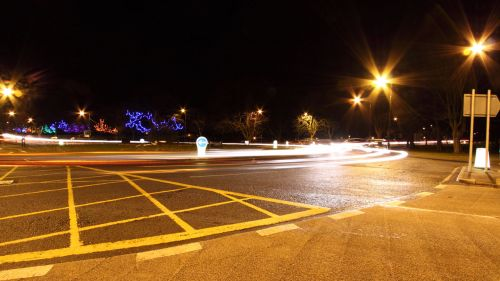 eismas, naktis, dažyti, šviesa, apvalus, apvažiavimas, automobiliai, galva, stabdis, žibintai, naktinis eismas