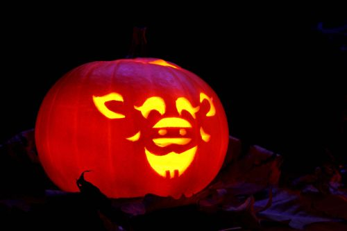 tamsi, apdaila, kritimas, švytėjimas, žėrintis, Halloween, apšviestas, Moliūgas žibintas, žibintas, lapai, žibintai, oranžinė, moliūgas, baugus, sezonas, baisu, triukas, juokingas jack-o-žibintas