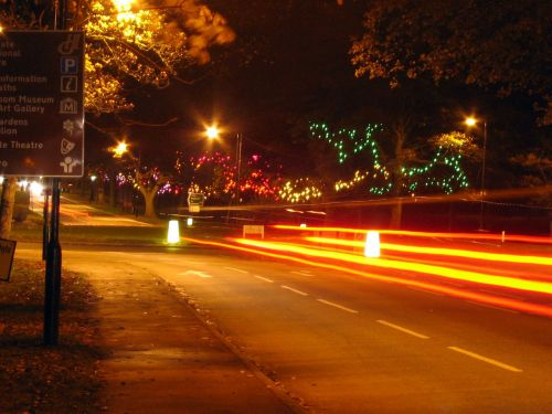 eismas, naktis, dažyti, šviesa, apvalus, apvažiavimas, automobiliai, galva, stabdis, žibintai, eismas naktį