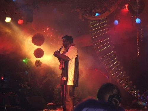 dainininkė, klubas, žibintai, dainininkė naktiniame klube