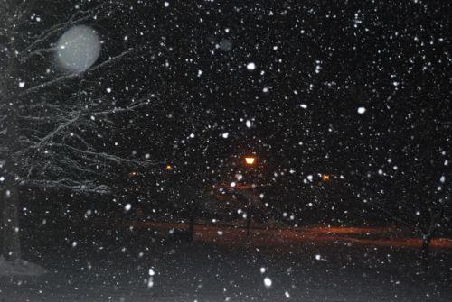 Sniegas,  Sniegas,  Dribsnių,  Dribsniai,  Flurries,  Naktis,  Gatvė,  Šviesa,  Sniegas Naktį