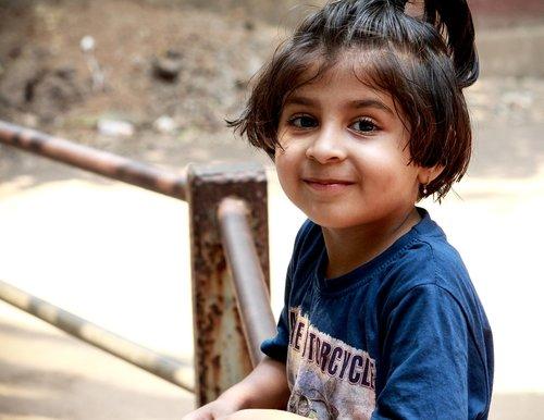 žavinga, gražios akys, graži mergina, mygtukas akys, malonumas, malonumas, laimė, džiaugsmas, malonumas, portretas, portretai, smile, Plaukų, Gatvė, šypsosi, jauna, Indijos, fonas