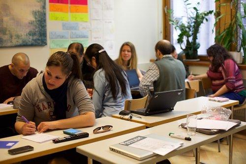 suaugusiųjų, švietimo, grupė, klasė, stalas, patalpose, klasė, susitikimo, universitetas