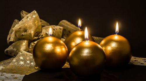 Adventas,4 atvykimas,Advent žvakės,Kalėdų papuošalai,žvakės,ketvirta žvakė,šviesa,liepsna,kontempliatyvas,žvakių šviesa,Kalėdos,prieš Kalėdas,žvakių liepsna