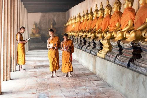 พระ,knyga,kultūra,švietimas,asija,phra nakhon si ayutthaya,berniukai,budizmas,Kambodža,vaikai,klasė,veidas,laimingas,gimtoji,indonesian,vaikai,laosas,mokymasis,pamoka,gyvenimo būdas,šalyje,šalis Malaizija,vienuolynas,Mianmaro burma,nacionalinis,Tautybė,šalies nepalas,Nepalas,naujokas,žmonės,apgailėtina,skaityti,religija,dievobaimingas,kaimas,už namo ribų,mokykla,studentai,studijuoti,tantrinė,Tailandas,tibetas,tibetietis,tradicija,tradicinis,vietnamiečių,jaunas