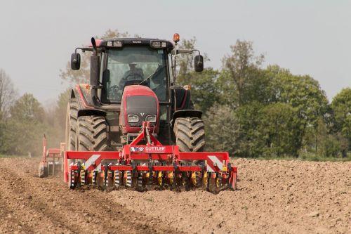 Žemdirbystė,žemės ūkio transporto priemonės,komandos,ariama žemdirbystė,transporto priemonė,traktor,laukas,traktorius
