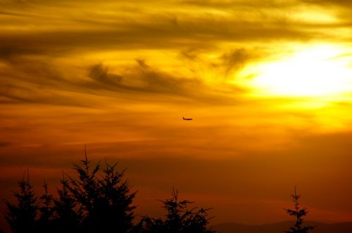 orlaivis,saulėlydis,twilight,kraštovaizdis,dangus,debesys,gamta,vakaras,spalvos,france,šviesa,oranžinė,pilka,geltona,balta,laukas,isère