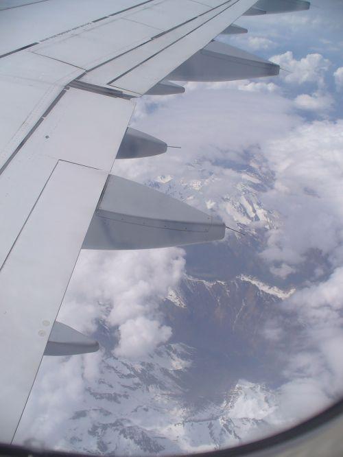 orlaivis,debesys,virš debesų,sparnas,dangus,kelionė,oro vaizdas,orlaivio sparnas