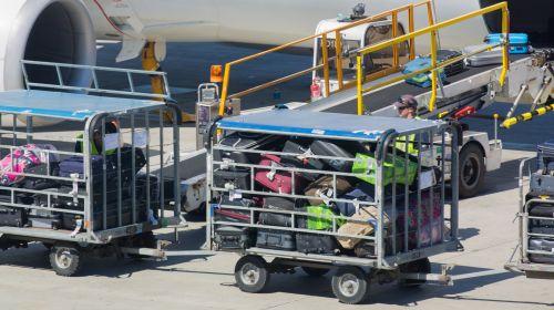 orlaivis, lėktuvas, oro uostas, maišas, bagažas, diržas, kroviniai, konvejeris, tvarkymas, reaktyvinis, apkrova, pakrovimas, bagažas, lėktuvas, laivyba, lagaminas, gabenimas, kelionė, iškrovimas, orlaivio bagažo pakrovimas