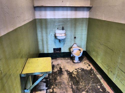 alcatraz,alcatraz kalėjimas,Kalifornijos kalėjimas,kalėjimo kamera,kalėjimo vienutė,įkalinimas,bausmė,pataisos,kalinimo įstaiga,užrakinti,įkalintas,neviltis