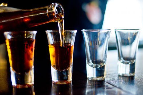 alkoholis,baras
