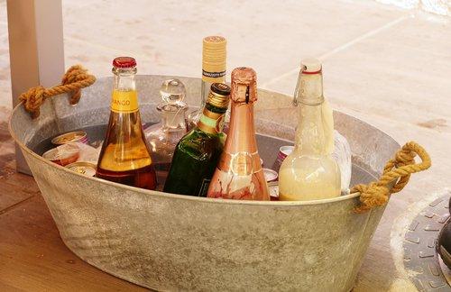 alkoholio, buteliai, vakarėlis, sidabras, atšaldyti gėrimai, gėrimai, troškulys, stiklas