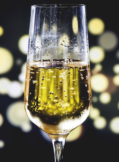 alkoholio, jubiliejus, gėrimų, šventė, Šampanas, kokteilis, vakarienė, gerti, geriamojo, renginys, festivalis, Šventiniai, stiklo, skystis, Prabangūs, makro, niekas, vakarėlis, gaivus, romantiškas, putojantis, putojantis vynas, purslų, vyno, vyno taurė
