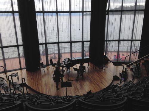 amfiteatras,muzika,muzikantai,Klasikinė muzika,teatras,auditorija,fortepijonas,bandymas,lapo muzika,paveikslėlio langas,architektūra