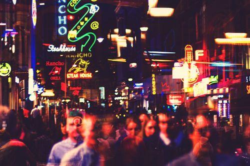 Amsterdamas,miestas,šviesa,žibintai,neonas,neonas,žmonės,ženklai,gatvė,gatves,miesto,vaikščioti