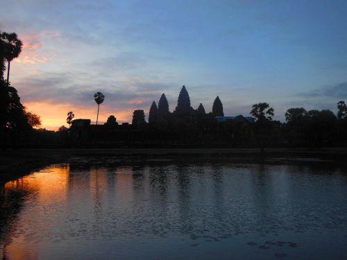 Angkor,vat,šventykla,Khmer,senovės,paveldas,pasaulis,orientyras,religija,turizmas,archeologija,Unesco,religinis,istorinis,dvasinis,sugadinti,šventas,paminklas,hindu,kultūrinis,Kambodža,Kambodža,saulėtekis
