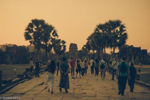 angkor wat,turistinis,Siem grižti,Angkor,religija,garbinimas,hinduizmas,archeologija,Unesco,turizmas,žinomas,Kelionės tikslas,religinis,svetainė,griuvėsiai,Kambodža,paminklas,Indochina,raižiniai,architektūra,Kambodža