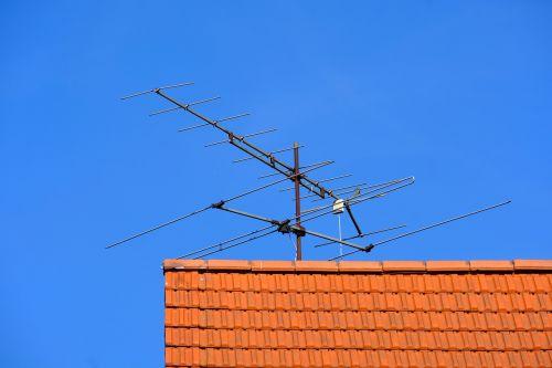 antena,televizijos priėmimas,Žiūrėti televizorių,priėmimas,tv,namų antena,stogo antena,tv antena,radijas,signalai,metalinis stiebas,nostalgija,pasibaigęs galiojimas,televizijos programa,kontaktas,senovinis,senas,analogas,istoriškai,antena tv,gautas,stogas,namo stogas,antžeminis