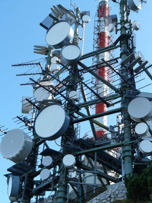 antenos,antena,radijas,televizija,radijo sistema,antenos stiebas,Žiūrėti televizorių,apželdintas,radijo bokštas,radijo stovas