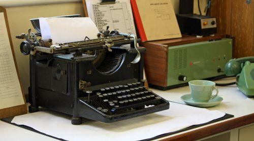 rašomąja mašinėle, Senovinis, antikvariniai & nbsp, rašomąja mašinėle, senas & nbsp, madingas, data, iš & nbsp, data, taurė, lėkštė, žalias, biuras, vaizdas, nuotrauka, antique rašomosios mašinėlės