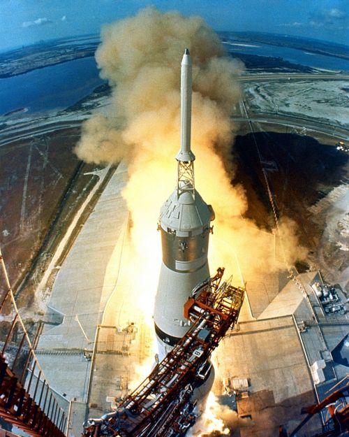 apollo 11,pradėti,raketų paleidimas,raketa,1969,kilti,pakilti,sprogimas,Ugnis,dūmai,jėga