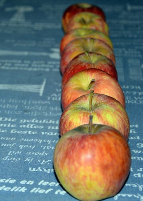 obuoliai,eilutė,sveikas