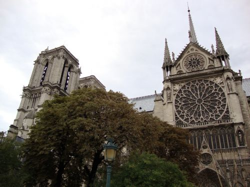 architektūra,notre dame de paris,debesuota,paris,france