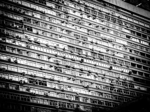 architektūra,pastatas,miestas,moderni architektūra,statyba,pastatai,fasadas,langai,juoda,balta