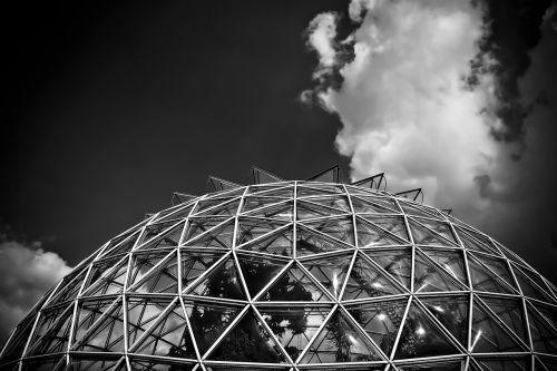 architektūra,stiklas,pastatas,šiuolaikiška,fasadas,langas,kupolas,Diuseldorfas,stiklo kupolas,stiklo fasadai,moderni architektūra,dangus,rotunda,struktūros,šiltnamyje,botanikos sodas,petnešos,juoda balta,juoda ir balta,sw,debesys