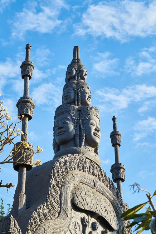 architektūra,skulptūra,kelionė,paminklas,kultūra,turizmas,miestas,senas,dangus,menas,religija,simbolis,akmuo,data,istorinis miestas,senovinis miestas,fotografija,Kambodža,senovės,istoriniai darbai,civilizacija,diena,fonas,gražus,budistinis,budizmas,šventykla