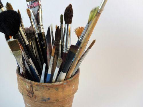 menininko šepečiai,menininkas,akvarelė,šepetys,dizainas,dažyti,šepečiai,meno,įranga,įrankis,hobis,kūrybingas,darbas,švietimas,dažymas,dailininkas,profesionalus,amatų