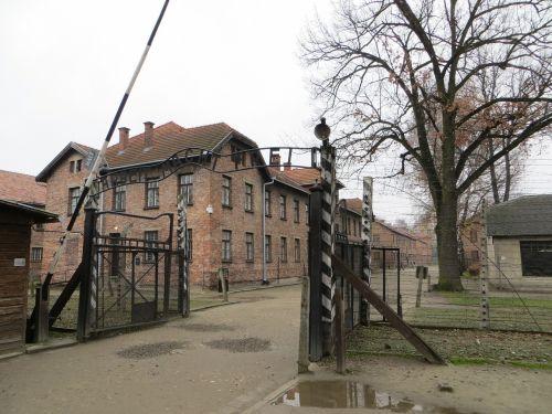auschwitz,stovykla,Lenkija,koncentracija,birkenau,paminklas