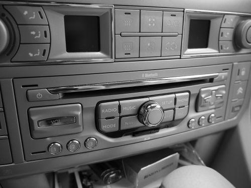 autoradio,radijas,muzikos sistema,automobilių muzikos sistema,CD grotuvas,garso sistema,garso sistema,bortinis kompiuteris,automatinis,prietaisų skydelis,automobiliai
