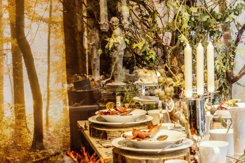 ruduo,auksinis spalio mėn .,rudens pavėsinė,romantiškas,žvakės,jaukus,nepatogus,atspindys,malonumas,maisto stalas