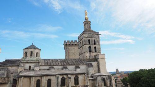 Avignon,katedra notre-dame-des-doms,avinjono katedra,katedra,romėnų katalikų katedra,romėnų katalikų arkivyskupija,romėnų katalikų arkivyskupija avignon,jaunosios mari statula,statula,Mergelė Marija,auksinis,auksinė statula,france,pastatas,architektūra,lankytinos vietos,turistų atrakcijos,įvedimas,į pietus nuo Prancūzijos,orientyras,cathédrale notre-dame of cathedral