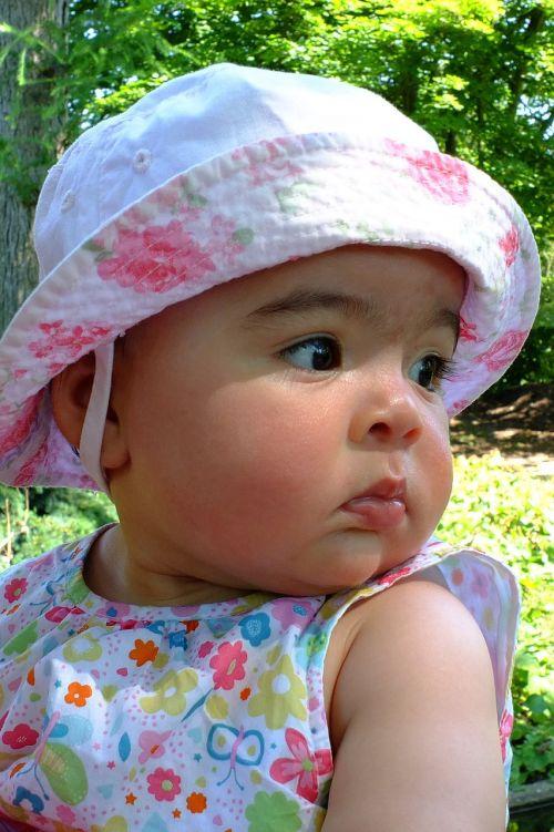 kūdikis, kūdikis, mergaitė, vaikai, mažas vaikas, žmogus, Asmeninis, sėkmė, laimingas, meilė, portretas, mutterglück, tėvo laimė, tėvelių laimė, 5 mėnesiai, minkštumas, malonė, veidas, akys, blakstienos
