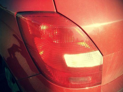 atgal šviesa,stabdžių žibintas,raudona,stabdymo žibintas,transporto priemonė,reflektorius,automobilio galinis žibintas