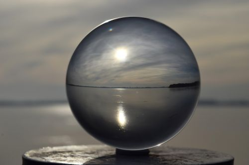blogas zwischenahn,zwischenahner meer,ežeras,ledas,žiema,rutulys,Kristalinis kamuolys,investuotojai,vanduo,poilsis