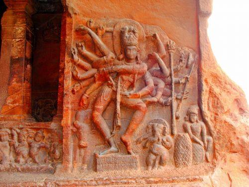 badami,urvo šventyklos,smėlio akmuo,UNESCO svetainė,Indija,Karnataka,religinis,šventė,kelionė,dievas,nataraj sienų reljefas