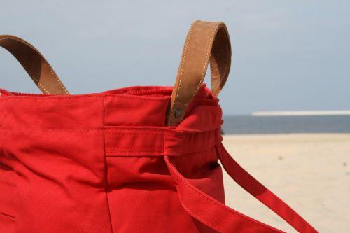 maišas,paplūdimio maišas,raudona,papludimys,smėlis,dangus,jūra,vanduo,šventė,smėlio paplūdimys vasara,saulė,atostogos,vandenynas