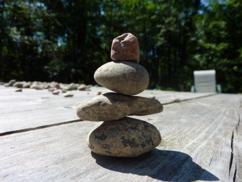 balansas, akmuo, totemas, balansas