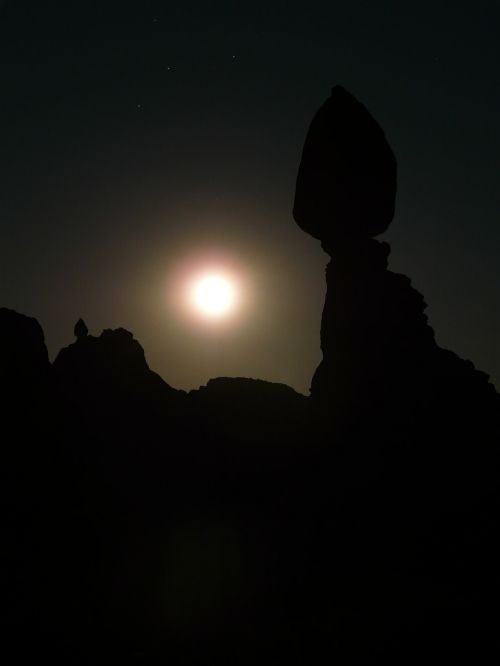 subalansuota roko,naktis,mėnulio šviesa,mėnulis,tamsa,mistinis,misticizmas,magija,arkos nacionalinis parkas,Nacionalinis parkas,usa,Utah
