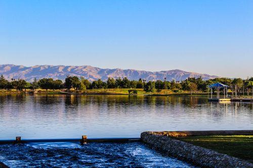 Balboa ežeras,vanduo,ežeras,Kalifornija,lauke,vasara,šeima,dangus,kelionė,parkas,gamta,atspindys,pavasaris,Miestas,valtis,nuotėkis,scena,peizažas,taikus,mėlynas,ežeras,žmogaus sukurtas ežeras,kalnai,plaukti,kraštovaizdis,upė,rytas,natūralus