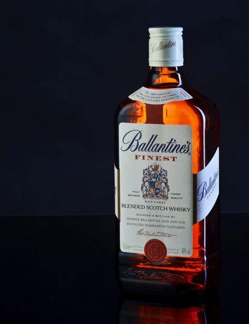 balandinės,stiklas,alkoholis,škotų,fonas,kulka,etilo alkoholis,oranžinė,juoda,etiketas,žibintai