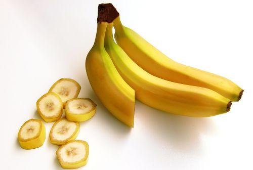 bananai,vaisiai,angliavandeniai,saldus,geltona