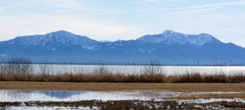 bankas,ežeras,chiemsee,bavarija,kalnai,nendrė,kraštovaizdis,atmosfera,idilija,romantika,farbenspiel,žiema,ruduo,gamta,nuotaika