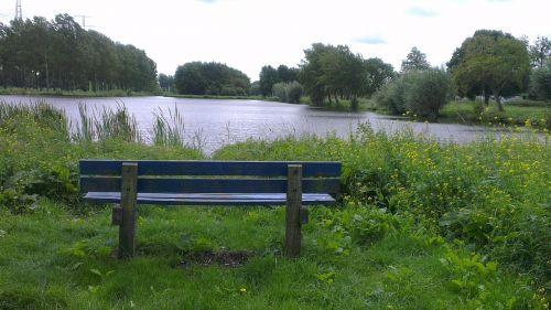 bankas,stendas,vanduo,gamta,medinis stendas,medžio stendas,lentos,sėdėti,baldai,vaizdas,poilsis