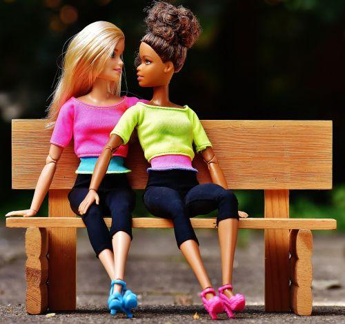 barbie,mergaitė,merginos,Draugystė,lėlės,graži,veidas,akys,grožis,sportiškas,plaukai,žaisti,vaikų žaislai,galva,mergaičių žaislai,figūra,žavus,gražus,šukuosenos