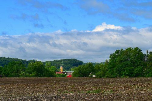 tvartas,silosas,žemės ūkio paskirties žemė,pavasaris,sodinti,gamta,kaimas,augalas,Žemdirbystė,laukas,ūkis,kaimas,žemė,ūkininkavimas,žalias,kraštovaizdis,augti,sezonas,žemės ūkio,auginami,dangus,lauke,Šalis,pasėlių,dirvožemis,rusas,derlius,žemė,žemė,natūralus,ariamasis